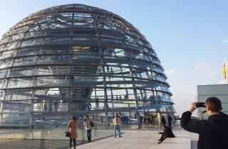 Rundgang durch das Berliner Regierungsviertel und Besuch des Reichstags mit Dome
