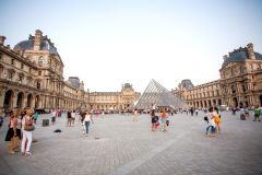 Louvre: Excursão Detalhada de 3 Horas c/ Entrada Sem Fila