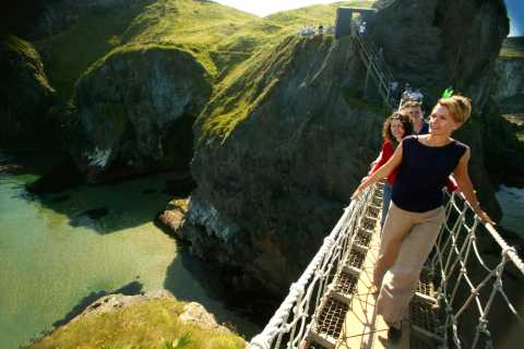 Giant's Causeway Tour and 2-Day Open Top City Tour Pass