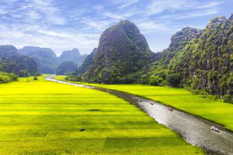 From Hanoi: Hoa Lu & Tam Coc Full-Day Tour by Bike & Sampan