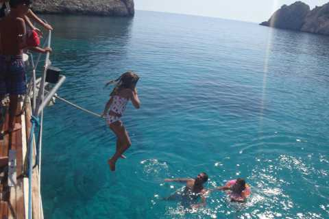 Chios & Oinousses Island: Private Sail with Cruiser Yacht