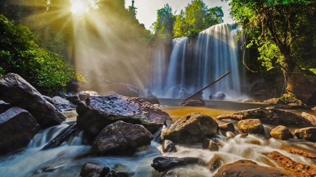 From Siem Reap: Small-Group Phnom Kulen Waterfall Day Tour
