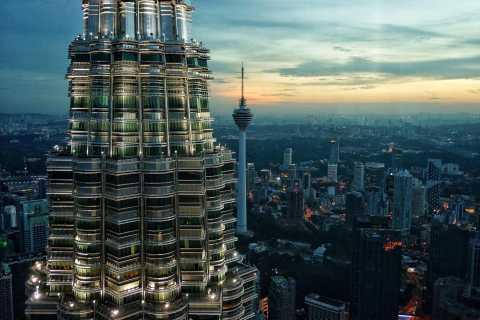 Petronas Twin Towers & Kuala Lumpur: Tour am Abend
