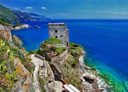 Lucca: Kleingruppentour nach Cinque Terre mit Mittagessen