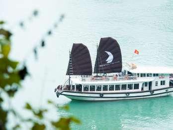 Ab Hanoi: Bootsfahrt zur Halong-Bucht & Höhle Thien Cung