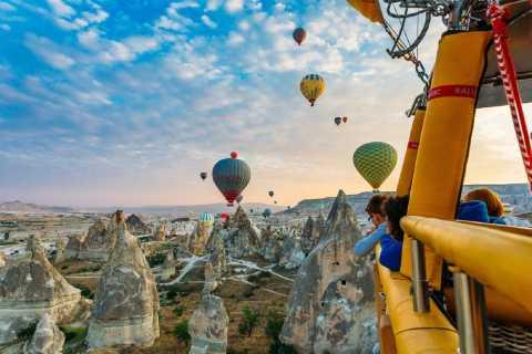 Cappadocia: Hot Air Balloon Flight with Breakfast