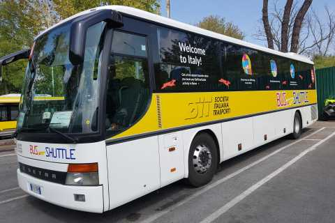 Rome: Return Bus Transfer Between Fiumicino Airport and Rome