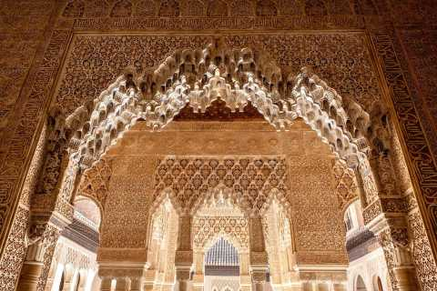 Fast-Track Alhambra & Nasrid Palaces Guided Tour