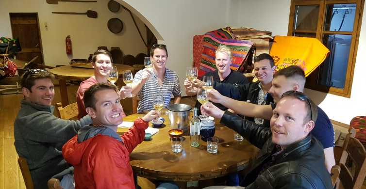 Chania: Wine and Cheese Tasting Tour with Lunch