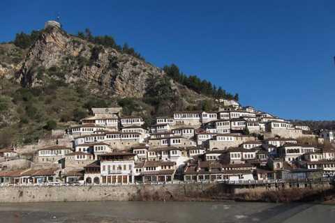 Desde Tirana: Tour de Berat de día completo