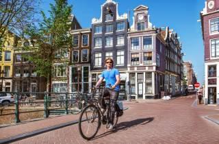 Amsterdam: Fahrrad-Ausleihe inkl. 1 Kaffee/Tee gratis