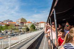 Porto: Excursão de Trem na Cidade, Cruzeiro pelo Rio e Adega