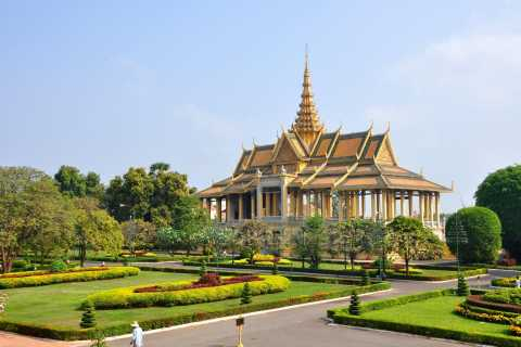 Half Day Royal Palace, National Musuem and Wat Phnom Tour