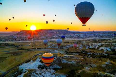 Cappadocia: Hot Air Balloon Flight at Sunrise