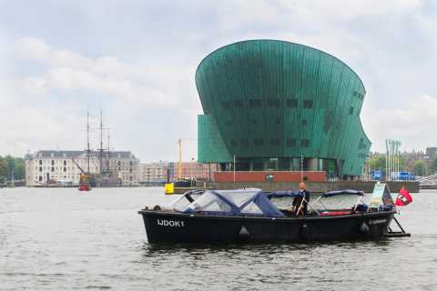 Amsterdam: 1.5-Hour Private Prosecco Canal Cruise
