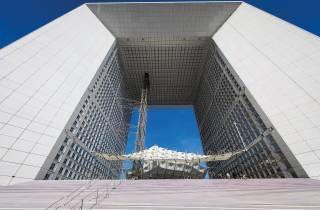 Paris: Panoramablick vom Grande Arche de la Défense