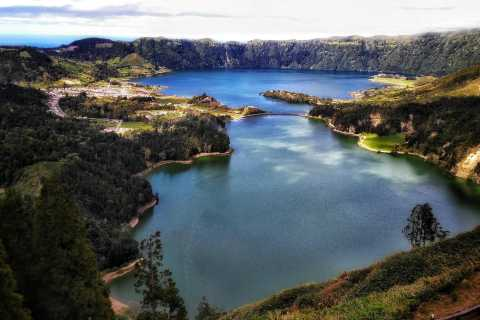 Azores: The Blue and Green Lake Sightseeing Tour