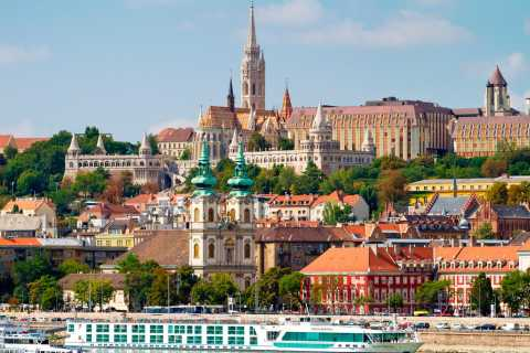 From Belgrade: Private Full-Day Trip to Budapest