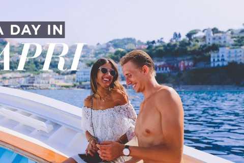 Capri: Private Boat and Walking Tour Around the Island