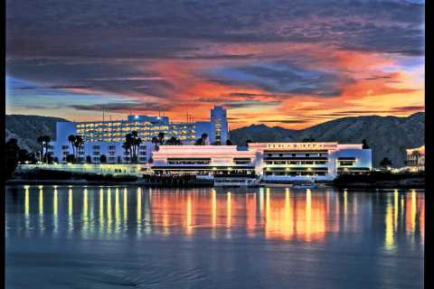 Laughlin: Gambling and Shopping Tour from Las Vegas
