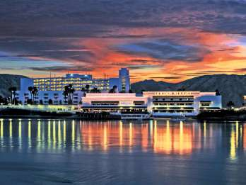 Ab Las Vegas: Glücksspiel und Shopping in Laughlin
