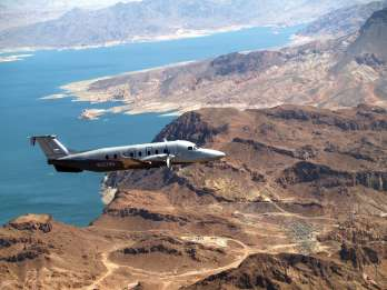 Ab Las Vegas: Grand Canyon South Rim traumhafter Rundflug