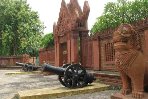 From Siem Reap: Day Trip to Battambang and Temple Tour