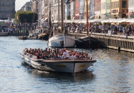 What to do in Copenhagen - Copenhagen: 1-Hour Canal Cruise from Ved Stranden or Nyhavn
