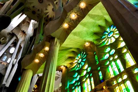Sagrada Família Basilica Skip-the-Line Guided Tour