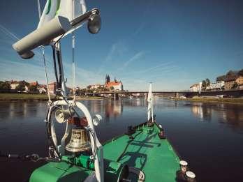 Dresden: Mit dem Schiff über die Elbe nach Meißen
