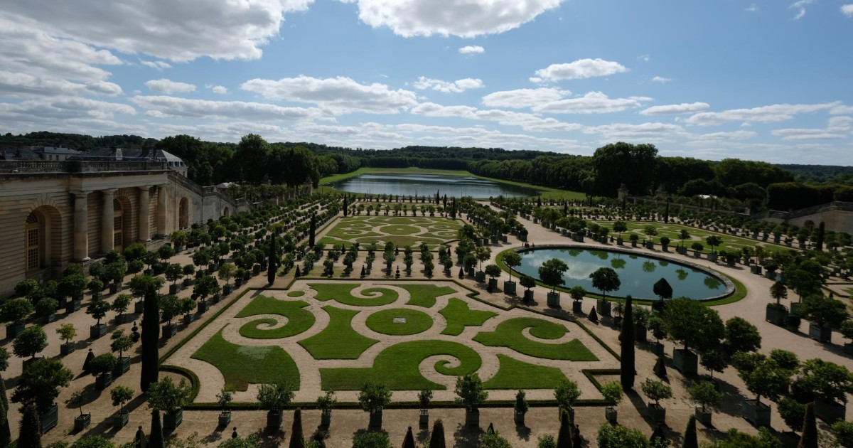 Last Entry: Versailles Tour After the Crowds