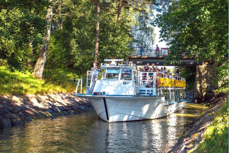 Helsinki: 90-minütige Sightseeing-Kanalbootsfahrt