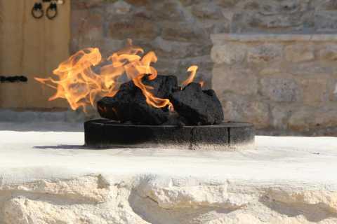 Baku: Burning Mountain & Zorastrian Temple Private Tour
