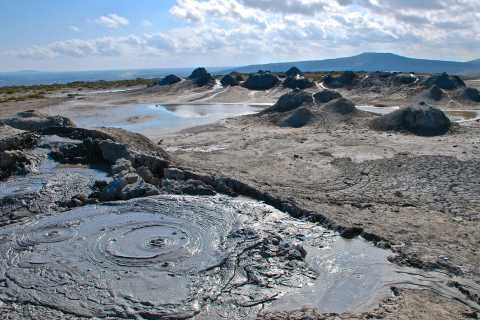 From Baku: Gobustan, Mud Volcanoes & Mosque Private Tour