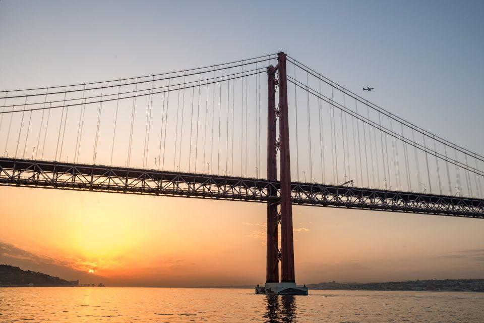 Lissabon: Sonnenuntergangs-Fahrt auf dem Tejo