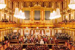 Viena: Orquestra Mozart no Golden Hall