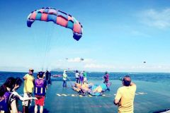 Ilha Koh Larn com atividades na praia de Pattaya e Bangkok