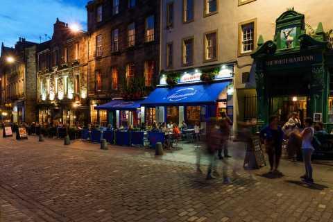 爱丁堡:苏格兰威士忌体验与当地