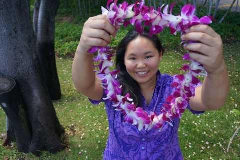 Big Island: Kona Airport Traditional Lei Greeting