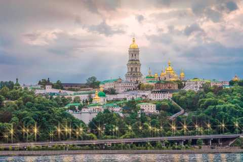 Kiev in 180 Minutes City Sightseeing Private Tour by Auto