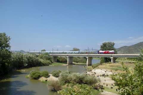 Meteora: Full-Day Rail Tour From Thessaloniki