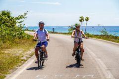Cozumel: excursão de E-bike e mergulho com snorkel pela costa oeste