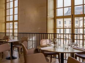 Versailles: Einlass ohne Anstehen & Mittagessen im Ore
