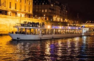 Köstliches Paris: Dinner Cruise auf der Seine