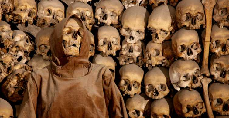 Rome: Crypts & Catacombs Tour with Bone Chapel Visit