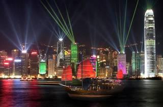 Hongkong: A Symphony of Lights Kanalrundfahrt mit Drink