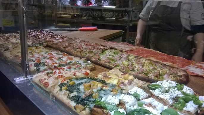 Roma: Tour de comida callejera en grupo pequeño con guía local