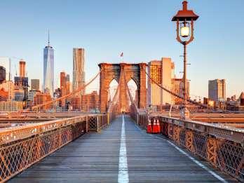 Ab Manhattan: Bustour durch die Boroughs und Coney Island