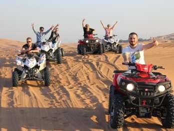 Ab Dubai: Abendliches Quad-Bike-Wüstenabenteuer mit BBQ