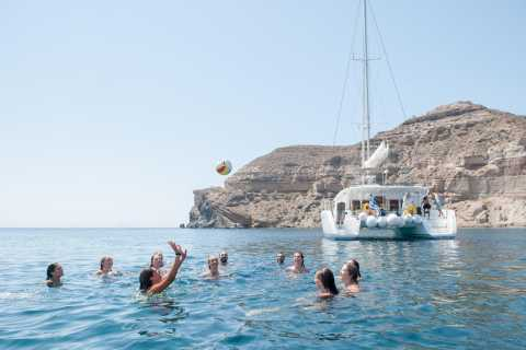 Santorini Caldera: Classic Cruise with Meal & Open Bar